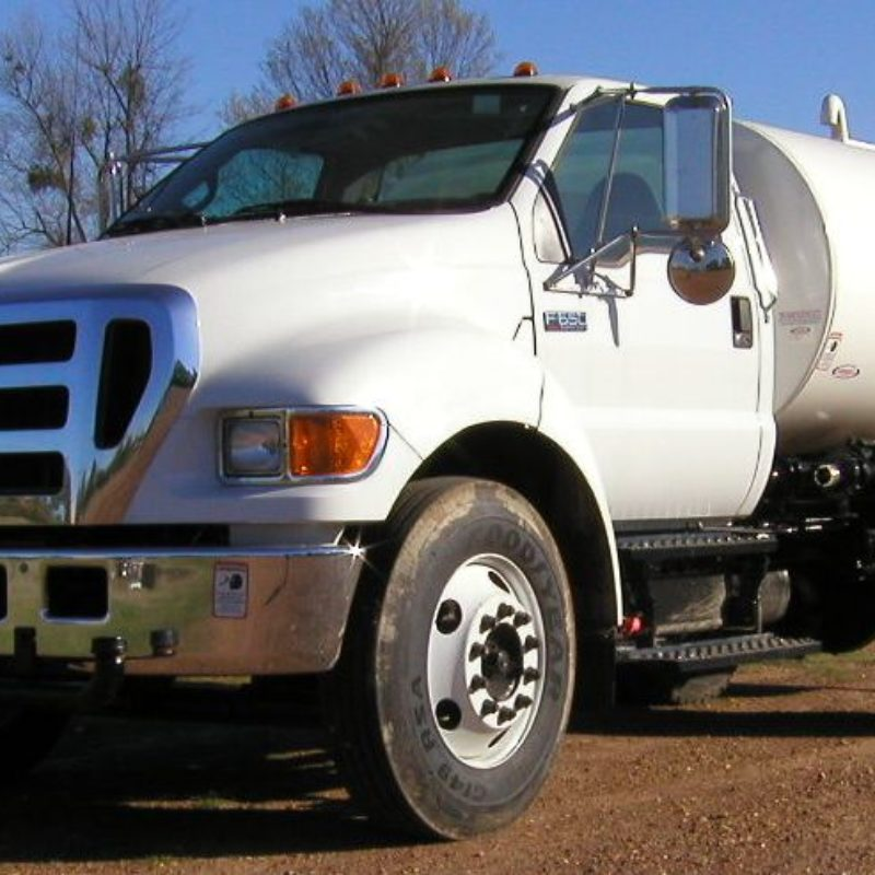 2,000 Gallon Water Truck Rental - Ledwell F750